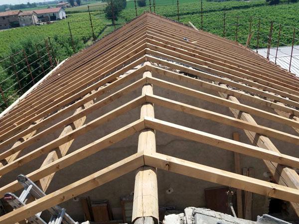 Costruzione-strutture-portanti-in-legno-modena