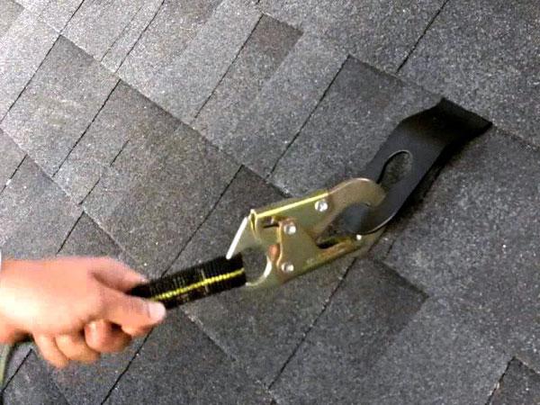 Manutenzione-dispositivi-sicurezza-tetto-modena