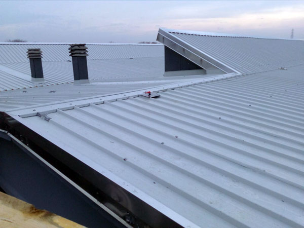 Rifacimento-tetti-capannoni